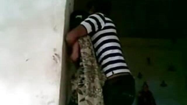 निजी काले-दोनों हिंदी सेक्स हिंदी सेक्स मूवी काले और सफेद डिक डबल प्रवेश हो जाता है